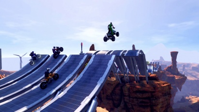 Trials Fusion - Multiplayer Competition Trailer